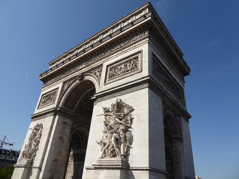 subida ao topo do Arco do Triunfo